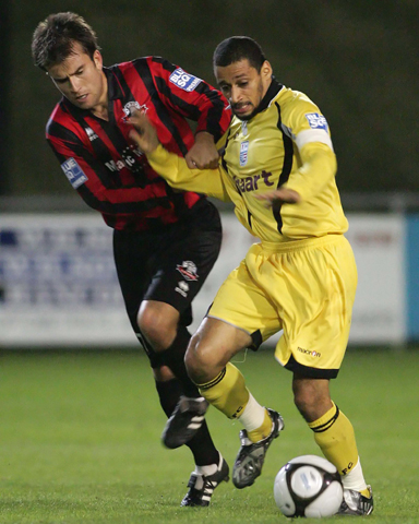 Curtis Woodhouse tangles with Michael Standing