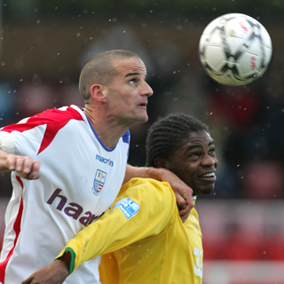Chris Hope challenges Onome Sodje